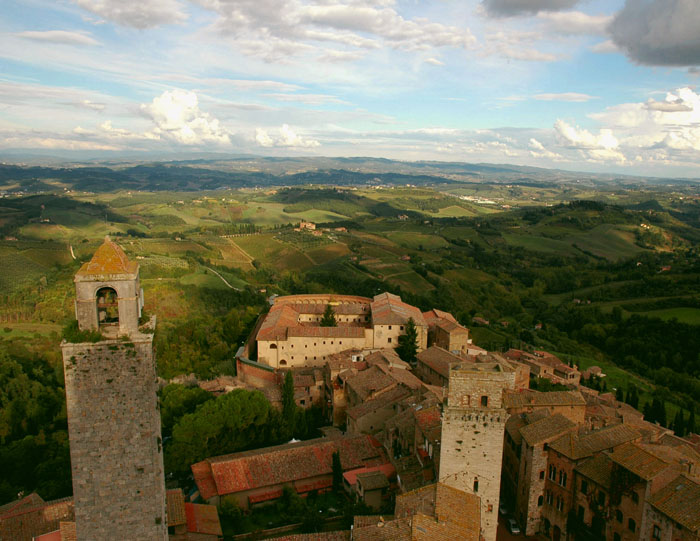 Panorama okolic San Gimignano widziana z Torre Grossa (największej z wież miasta)