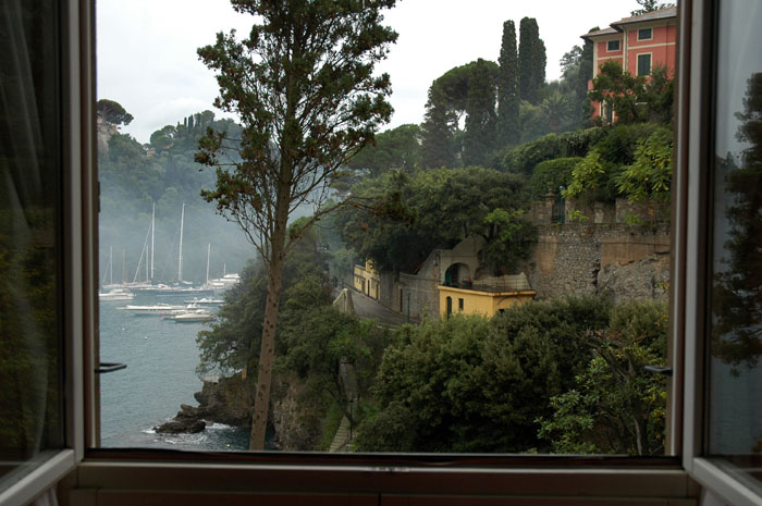 Widok z hotelowego okna w Portofino.