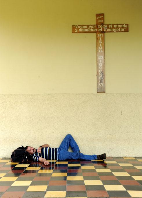 Odpoczynek pod krzyżem