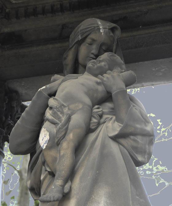 Matka Boska z Dzieciątkiem w niezwykłej pozie