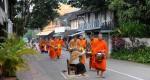 mnisi z Luang Prabang (6a)