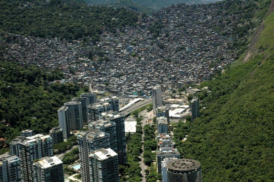 Rio - fawela Racinha (2)