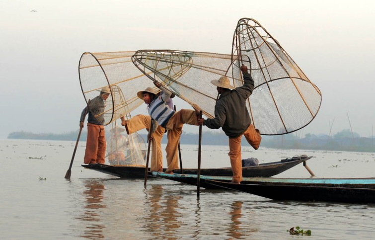 Fishermen of Inle Lake (12)a