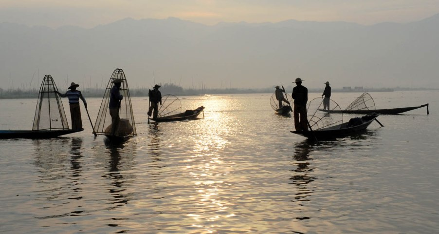 Fishermen of Inle Lake (16)a