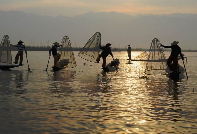 Fishermen of Inle Lake (17)a
