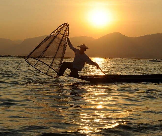 Fishermen of Inle Lake (25)a