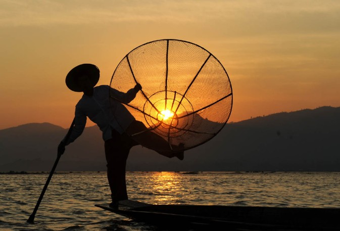 Fishermen of Inle Lake (29)a
