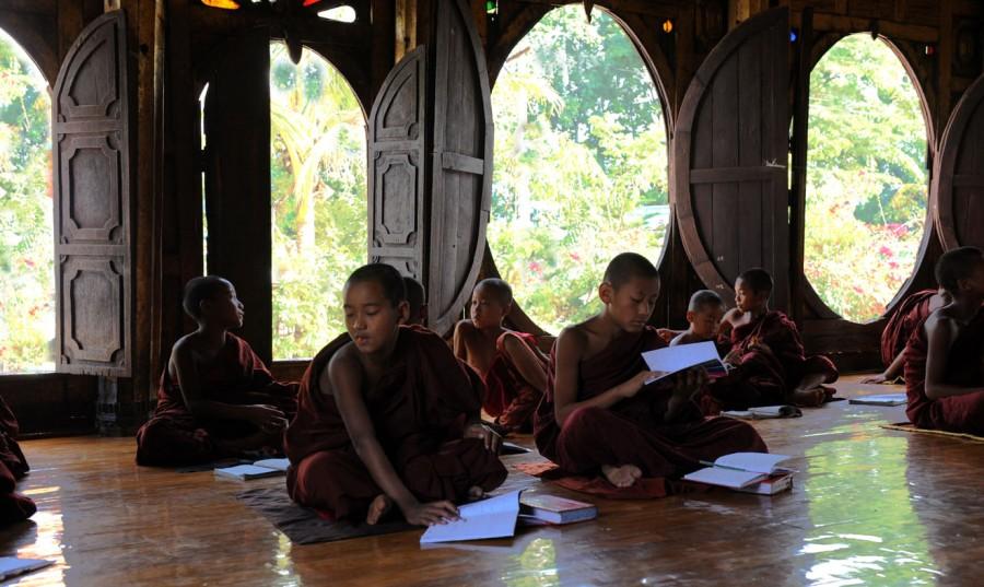 Shwe Yan Pyay Monastery - Birma. fot. St. Błaszczyna) (10)