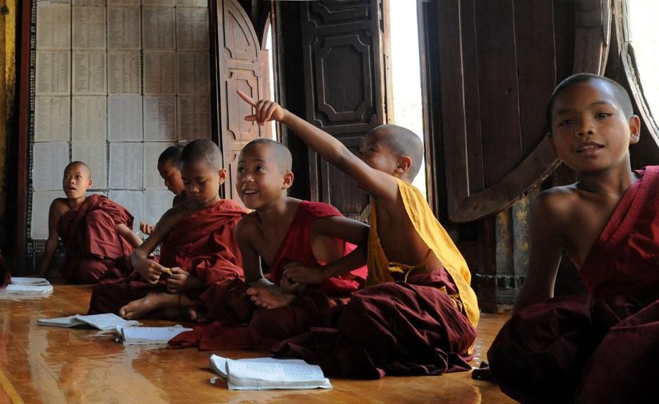 Shwe Yan Pyay Monastery - Birma. fot. St. Błaszczyna) (12)