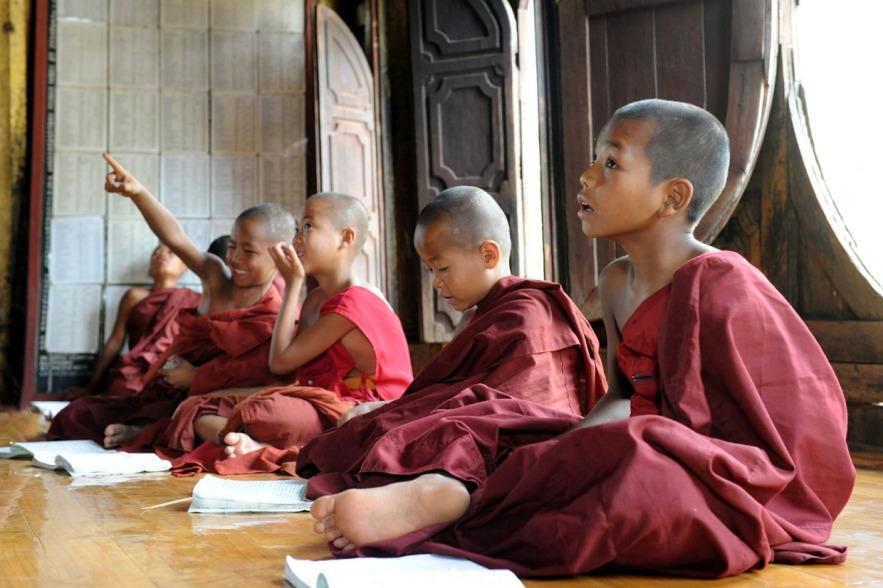 Shwe Yan Pyay Monastery - Birma. fot. St. Błaszczyna) (14)