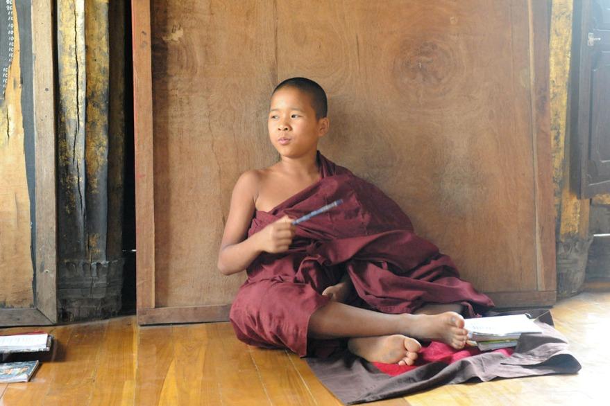 Shwe Yan Pyay Monastery - Birma. fot. St. Błaszczyna) (19)