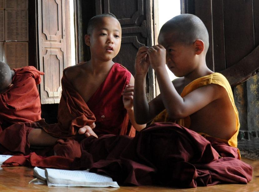Shwe Yan Pyay Monastery - Birma. fot. St. Błaszczyna) (2)