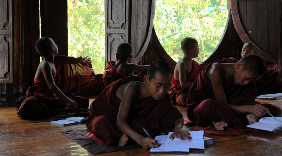 Shwe Yan Pyay Monastery - Birma. fot. St. Błaszczyna) (23)