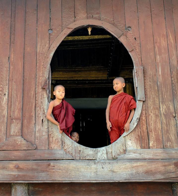 Shwe Yan Pyay Monastery - Birma. fot. St. Błaszczyna) (24)