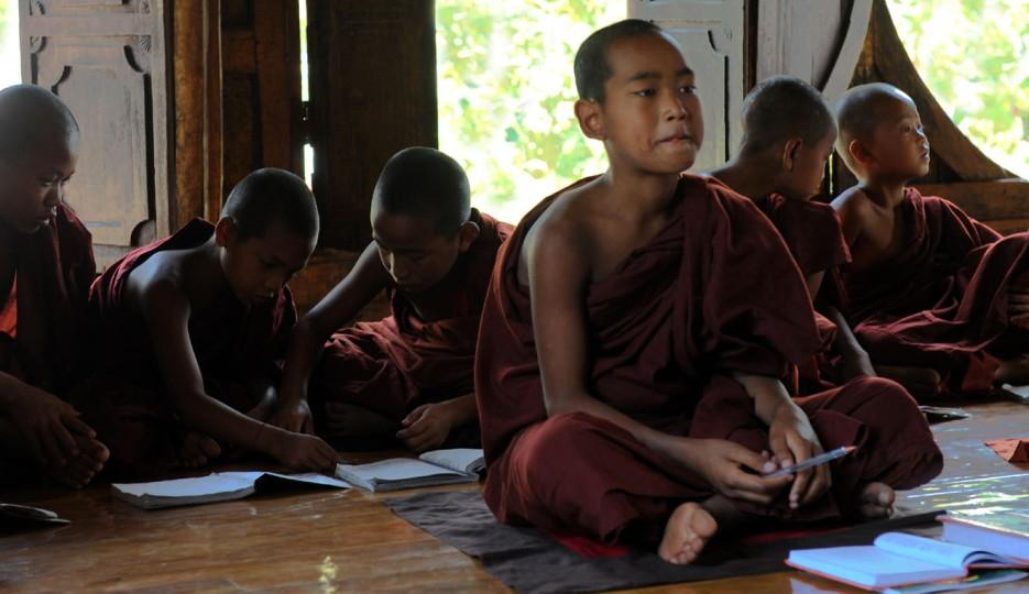 Shwe Yan Pyay Monastery - Birma. fot. St. Błaszczyna) (28)