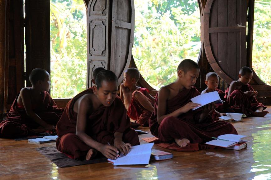 Shwe Yan Pyay Monastery - Birma. fot. St. Błaszczyna) (3)