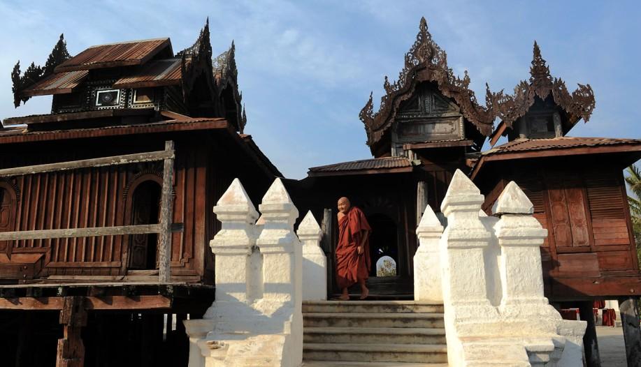 Shwe Yan Pyay Monastery - Birma. fot. St. Błaszczyna) (32)
