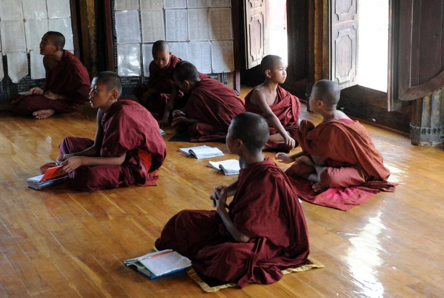 Shwe Yan Pyay Monastery - Birma. fot. St. Błaszczyna) (4)