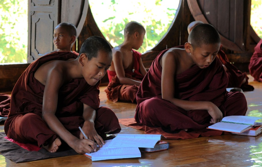 Shwe Yan Pyay Monastery - Birma. fot. St. Błaszczyna) (5)