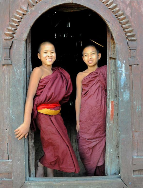 Shwe Yan Pyay Monastery - Birma. fot. St. Błaszczyna) (7)