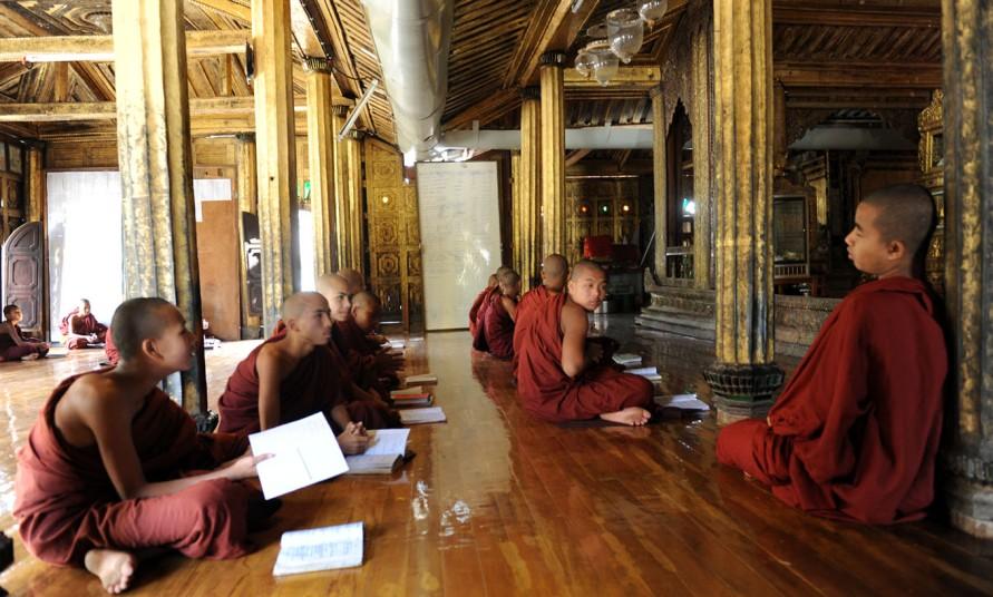 Shwe Yan Pyay Monastery - Birma. fot. St. Błaszczyna)